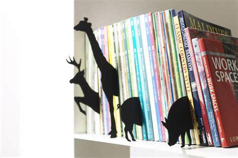 display books 10 creative ways to display books