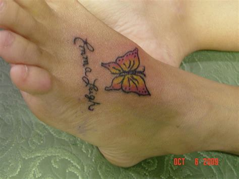 name tattoo ideas on foot heart tottoos on wrist with names for women for men tumblr