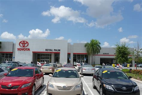 Car Dealers In Port Fl by Royal Palm Toyota Car Dealers 9205 Southern Blvd