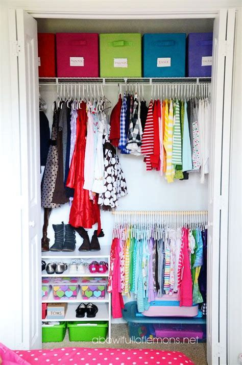 best way to organize small closet 25 best ideas about organize closets on