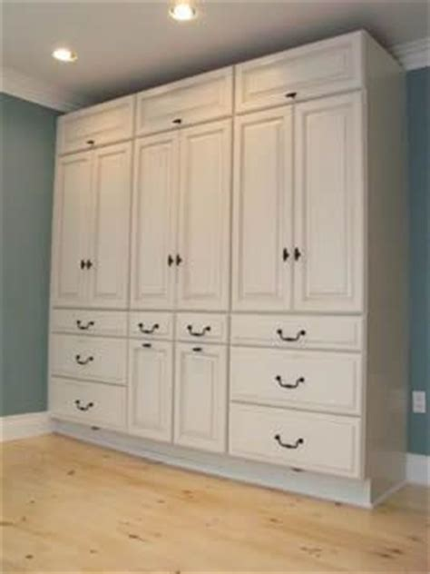 Cabinets For Bedroom by 25 Best Ideas About Bedroom Built Ins On