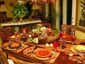 smart thanksgiving decorating ideas tablecloth table