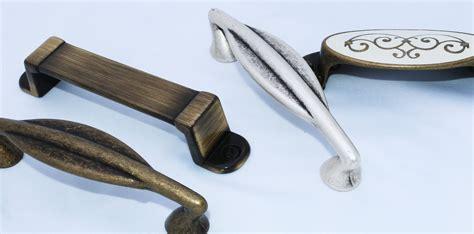 produzione maniglie per mobili ar 3 produzione maniglie pomoli ed accessori per l arredo
