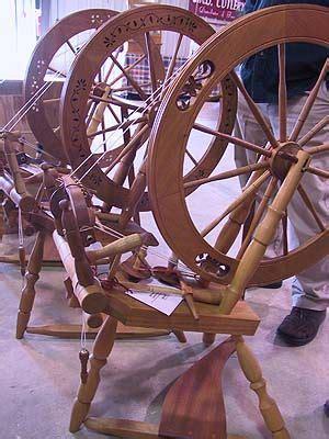 vermont wheel love  carvings spinning wheel