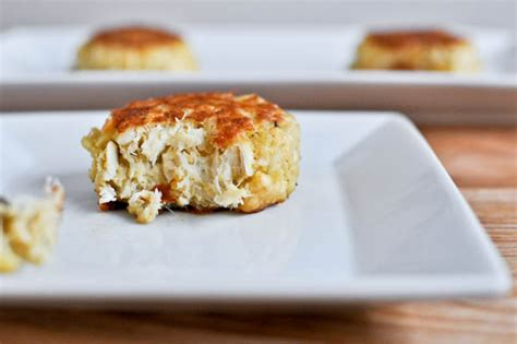 easy crab cake recipe simple light crab cakes