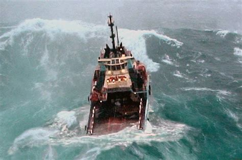 fishing boats in rough seas videos fishing boats in rough seas www pixshark images