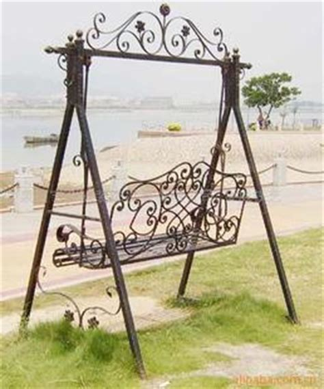 Swinging An Iron fashion wrought iron furniture wrought iron garden swing