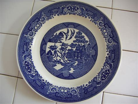 blue pattern china a beginner s guide to collecting blue willow ruby lane blog