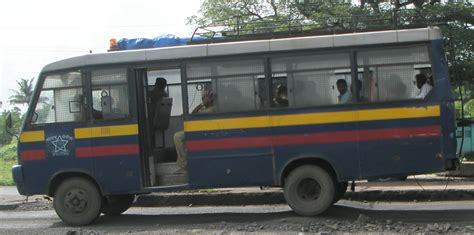 File:Mumbai Police Bus.JPG - Wikimedia Commons