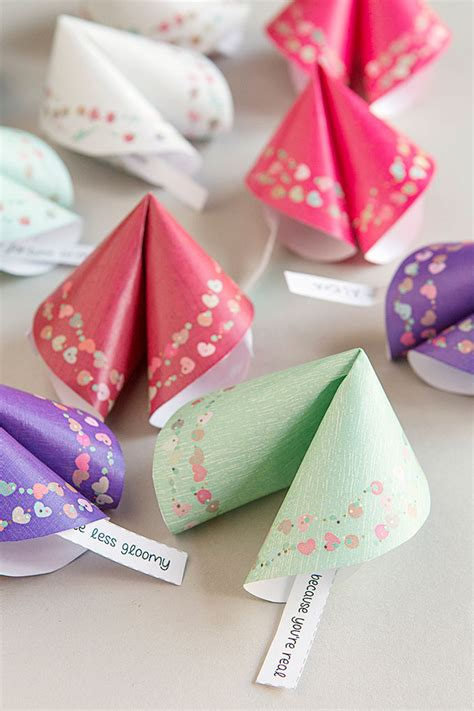 How To Make Fortune Cookies Out Of Paper - free printable paper fortune cookies gift