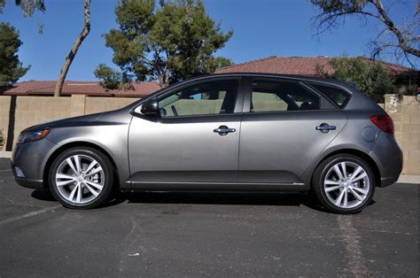2011 kia forte 5 door car review popscreen image 2011 kia forte 5 door sx size 1024 x 680 type gif posted on april 5 2011 1 44 pm