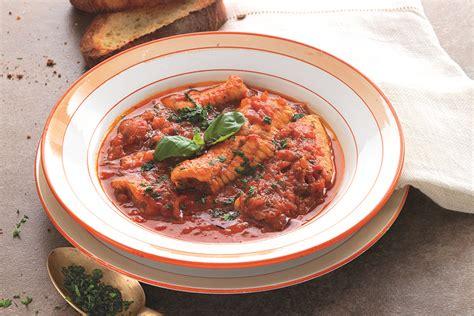 cucinare l anguilla ricetta anguilla in umido alla napoletana la cucina italiana