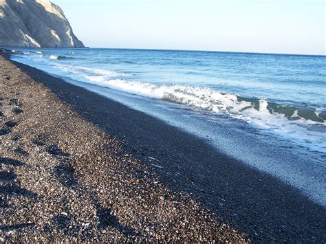 sand beaches photo friday santorini greece where erin goes