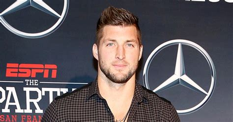 tim tebow walking carpet with tim tebow opens up about football failures in new memoir