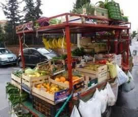 venditore ambulante alimentare enna condannato venditore ambulante aggred 236 verbalmente