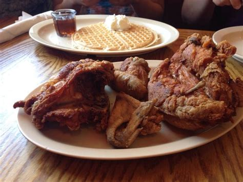 roscoe s house of chicken and waffles cleanliness is the key to success here picture of roscoe s house of chicken and
