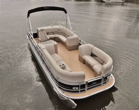 pontoon boat flooring vinyl pontoon boat teak vinyl flooring carpet vidalondon