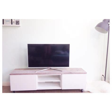 ikea besta ikea hack besta tv meubel op wieltjes met steigerhout via