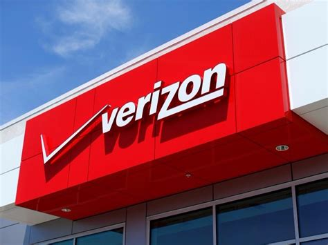 apple iphone  verizon customers suffer lte issues