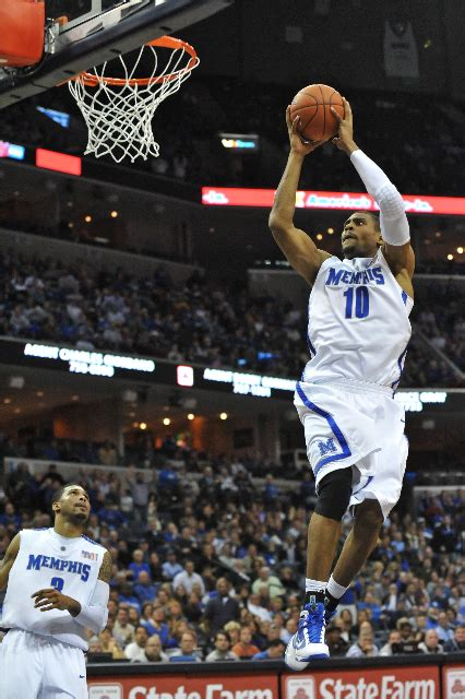 tiger blue memphis news and events memphis flyer memphis tigers 74 arkansas state 55 tiger blue