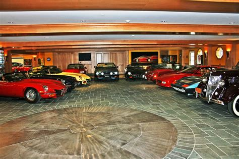 480 Square Foot Apartment 22 Car Garage Comes With 13 9m House In Lake Arrowhead