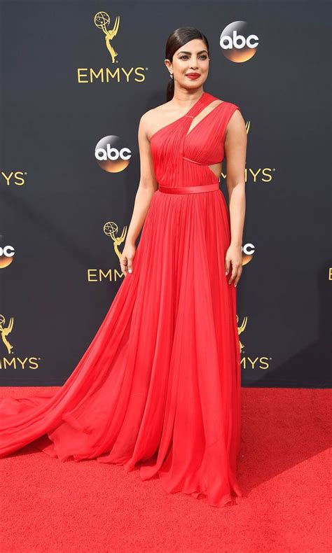 Carpet At The Emmys Emmy Awards 2016 Carpet Today