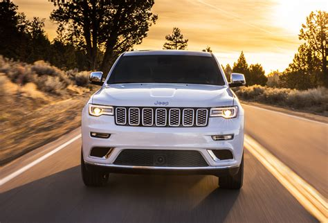 jeep grand cherokee 2017 summit first look 2017 jeep grand cherokee summit testdriven tv