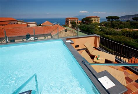 hotel sorrento con in hotel con piscina sorrento albergo con piscina sorrento
