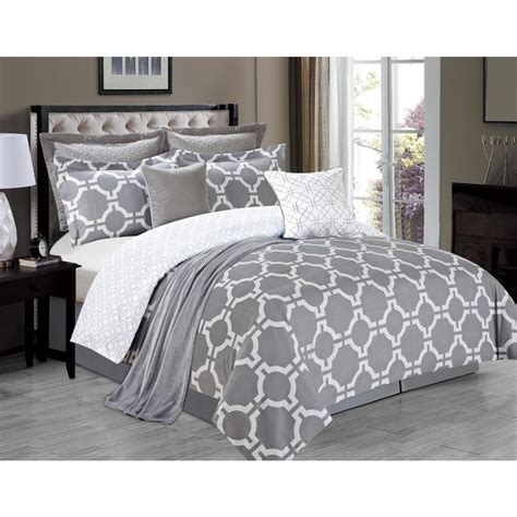 White And Grey Comforters by Best 25 Grey Comforter Sets Ideas On Gray