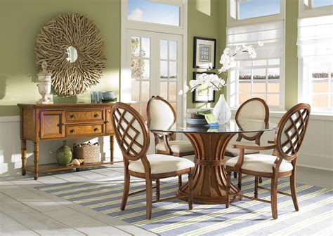 traditional style dining set with glass dining table