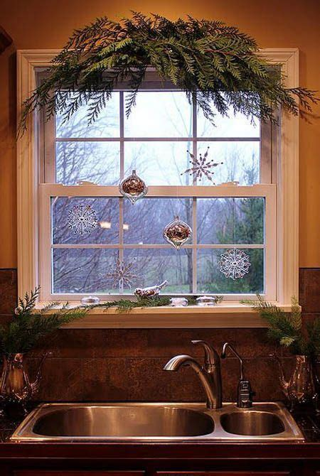 Window Decoration Ideas Home by 25 Best Ideas About Christmas Window Decorations On