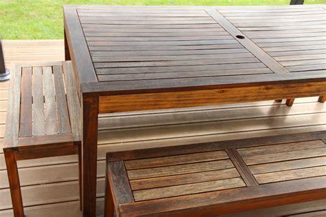 renover une table en bois 4622 r 233 nover une table de jardin en bois merci pour le chocolat