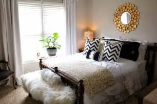 King Size Bed In Small Room Ideas King Size Bed In A Small Bedroom Bedroom Design Ideas