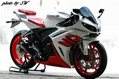 Kaos Yamaha Vixion New White Edition yzf r15 from lent automodified motomalaya