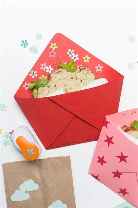 Origami Pockets - fold an origami sandwich pocket for back to school