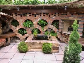 steinmauer garten steinmauer im garten bauen ideen f 252 r gartenarchitektur