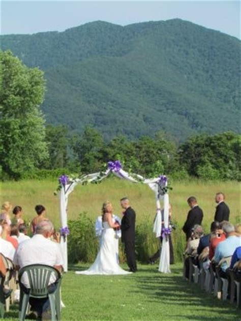 best 28 indoor outdoor wedding venues shenandoahweddings khimairafarm outdoor wedding venue 34 best arbors images on arbors outdoor pavilion and pergola