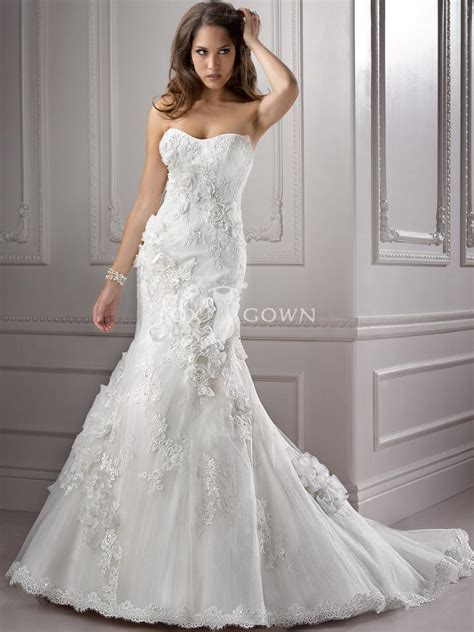 strapless wedding dress with mermaid silhouette