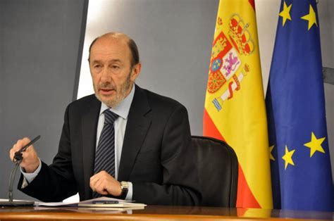 ministro interno elezioni spagna il ministro dell interno rubalcaba si candida per