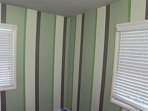 striped wall how to paint multiple striped walls how tos diy