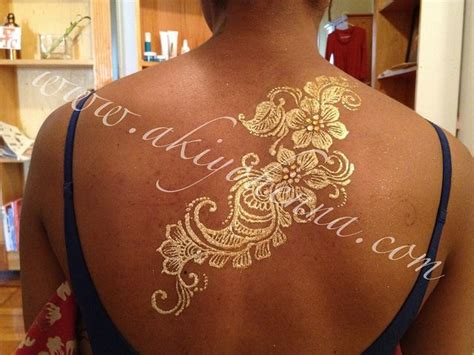henna tattoos gold coast luxe glow gold back design gold henna hennas and gold