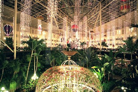 opryland hotel resort and convention center with 5 indoor
