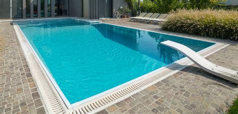 con piscina trolino piscina piscine castiglione