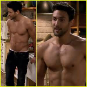 noah mills kat dennings noah mills shirtless on 2 broke girls shy magazine
