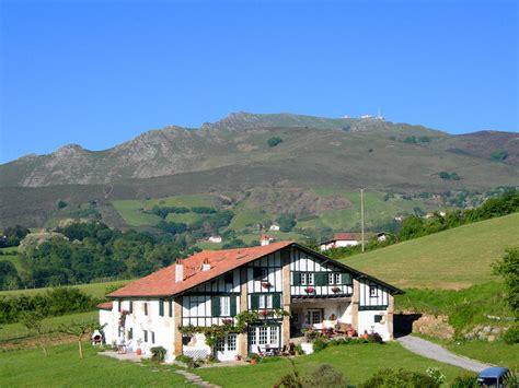 chambre d hote sare pays basque chambre d h 244 tes 224 sare pyr 233 n 233 es atlantiques uhartea