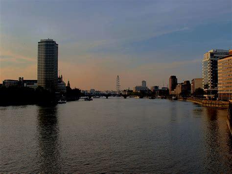 thames river pictures river thames