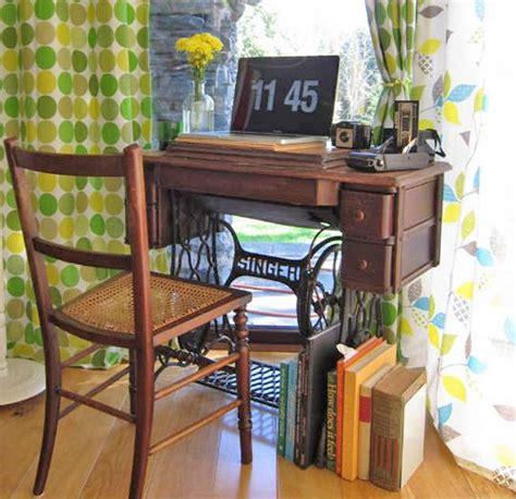 mesas de escritorio antiguas una mesa de m 225 quina de coser como escritorio pisos al
