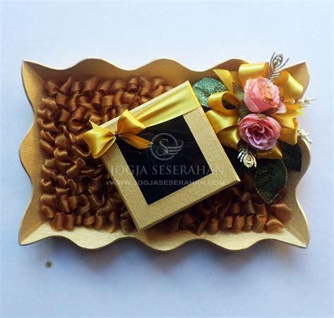 Kotak Souvenir 4x3x9 Alas Emas mahar mahar uang seserahan dan hantaran pernikahan yogyakarta