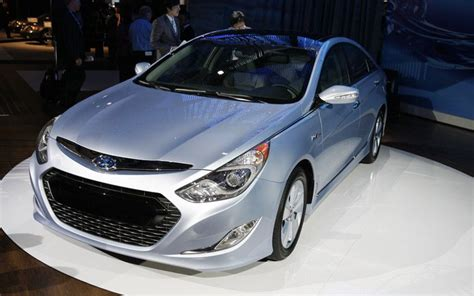 Hyundai Sonata Hybrid Gas Mileage by 2011 Hyundai Sonata Hybrid Gas Mileage Version Photos