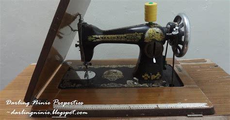 Mesin Jahit Hitam mesin jahit lama yang banyak berjasa ninie